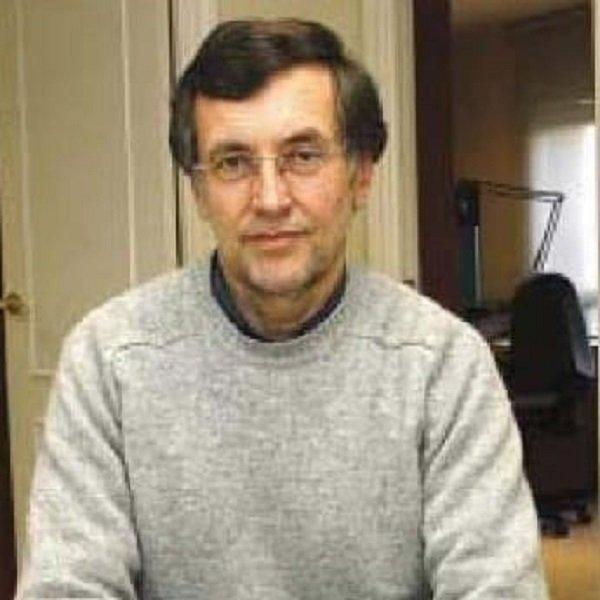 Raimundo González